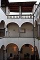 Palazzo Ducci Del Rosso, chiostro.jpg