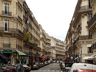 Rue Marbeuf - Rue Marbeuf, view from Avenue George V