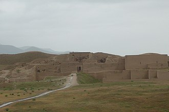 Nisa, Turkmenistan - Image: Parthian Fortresses of Nisa 130388