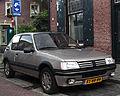 Peugeot 205 1.9 Gentry (10084671986).jpg
