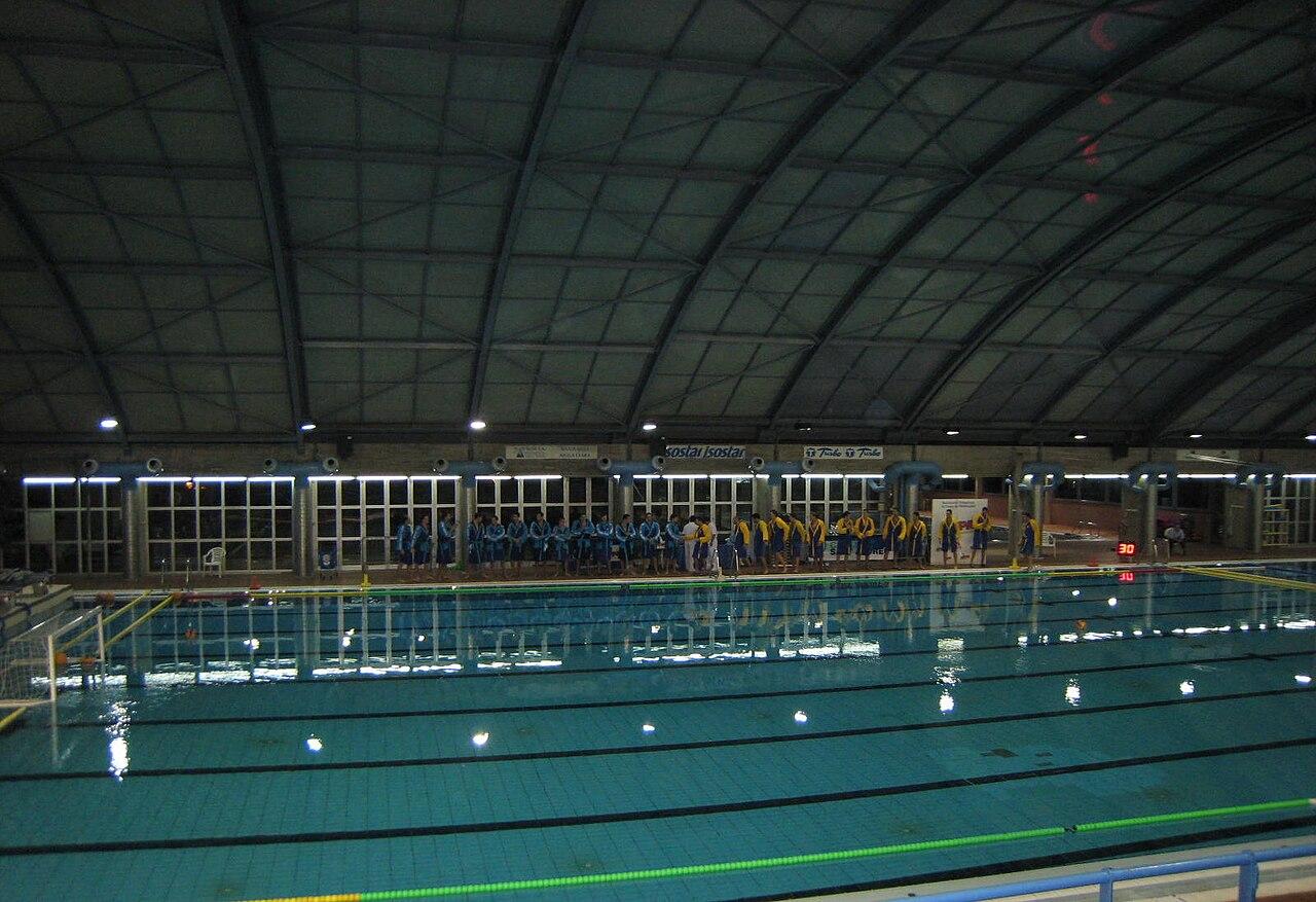 Archivo piscina sant wikipedia la for Piscina sant andreu