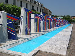 Place des fontaines - fountains place - Contrexéville.jpg