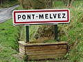Pont-Melvez. Panneau d'agglomération.jpg