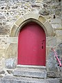 Porte larerale de l'eglise de gennes sur seiche - panoramio.jpg