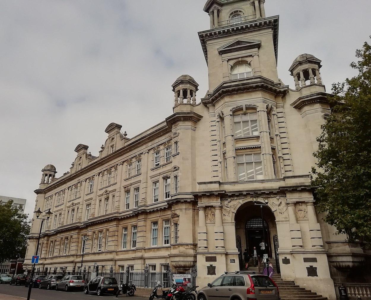 Universities/University of Portsmouth - Wikimedia UK