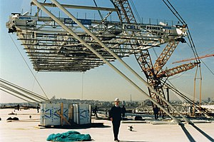 Stade de France - The last part of the metallic construction of the roof, 1997
