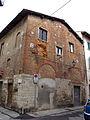 Prato, via magini, palazzetto trecentesco 05.JPG