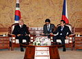 President of the Czech Republic Vaclav Klaus and President Lee.jpg