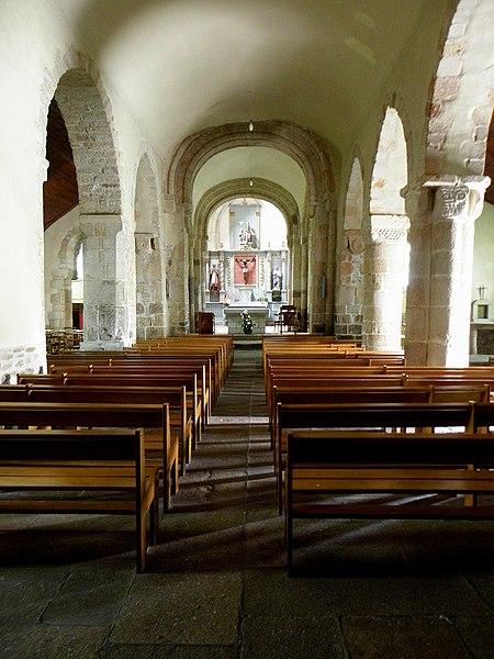 Église Saint-Beheau de Priziac (56). Nef principale.