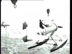 File:Proeven met het catapultvliegtuig aan boord van De Ruyter-518306.ogv