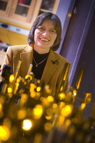Lene Hau - Lene Hau in her laboratory at Harvard