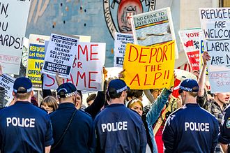 Immigration detention in Australia - Protesters outside ALP caucus meeting in July 2013