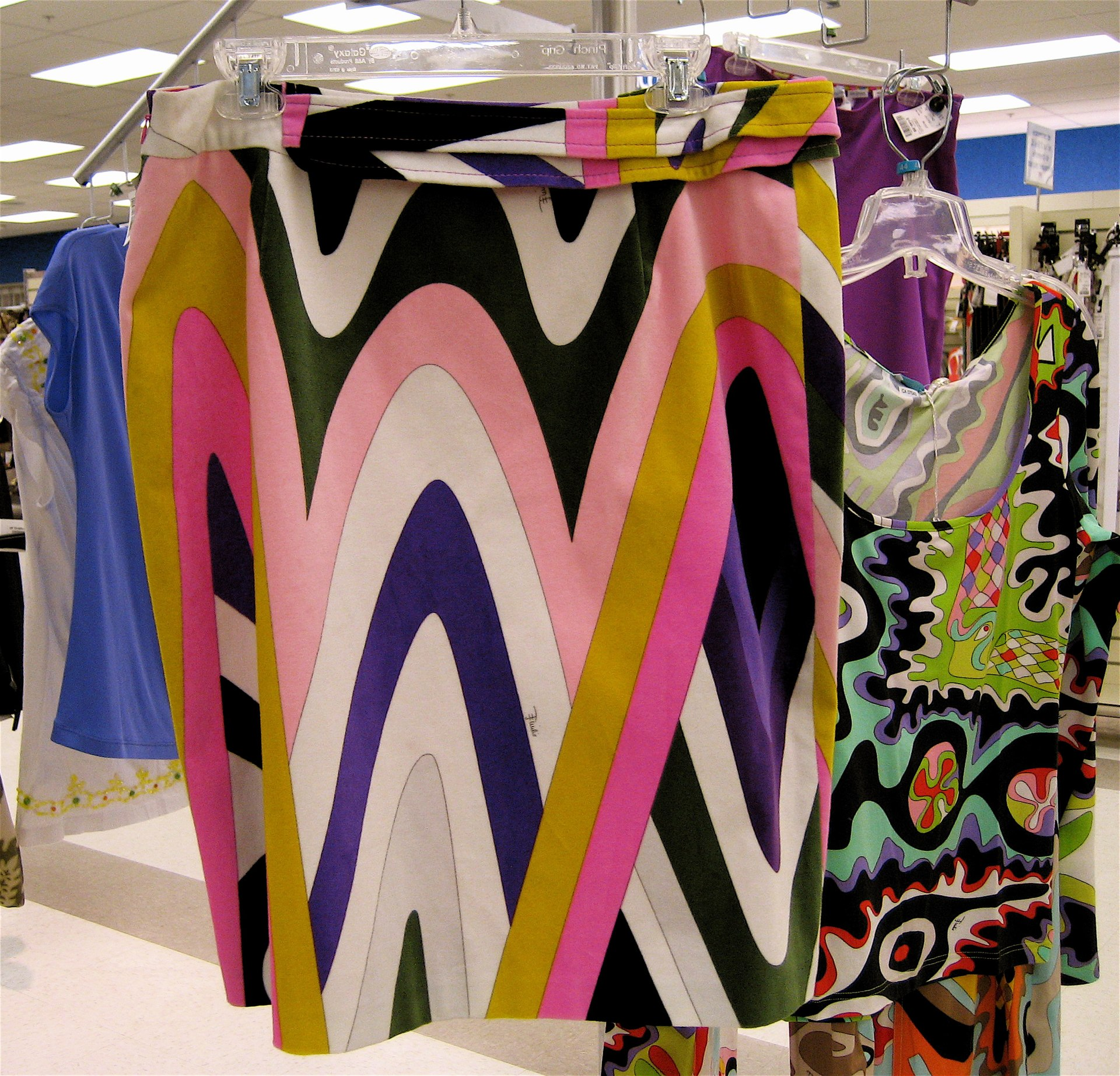 Kye Fashion Designer