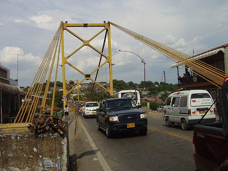 Archivo:Puente Vehicular Girardot.JPG