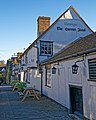 Queens Head 16th-century pub in Churchgate Street, Harlow, Essex.jpg