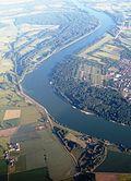 R-P Oppenheim mit Rhein river from north IMG 8329 Hessen left.JPG