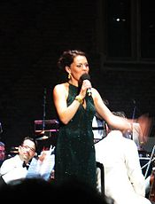 Rachel Tucker Hampton Court 2009.jpg