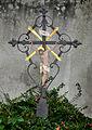 Ravensburg Hauptfriedhof Grabkreuz.jpg