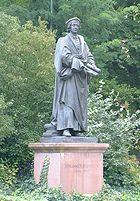 Johannes-Reuchlin-Statue am Schlossberg