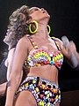 Rihanna - bercy 2011 - 09 (6269578384).jpg