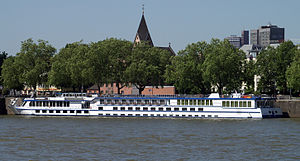 River Concerto (ship, 2000) 009.jpg