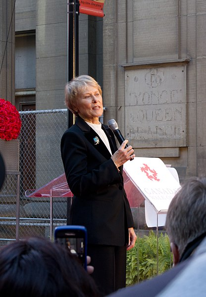 File:Roberta Bondar (October 1, 2011).jpg