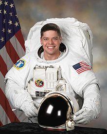 SpaceX / COTS-2: Lancement et suivi de la mission. - Page 12 220px-Robertbehnkenv2