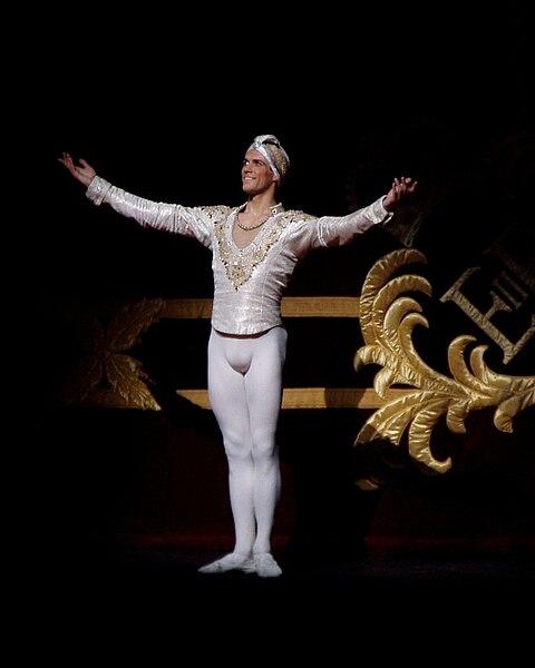 File:Roberto Bolle La Bayadere Royal Ballet.JPG