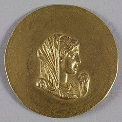 Roman - Medallion with Olympias - Walters 592 - Obverse.jpg