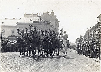 Great Union Day - Romanian troops marching in Transylvania (here Piața Unirii, Cluj-Napoca)