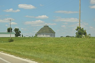 Pittsfield Township, Pike County, Illinois - Round barn west of Pittsfield