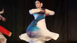 चित्र:Rounds in Kathak.webm