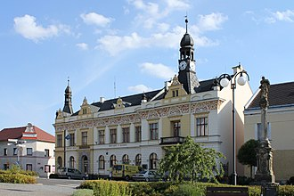 Rovensko pod Troskami - Town hall