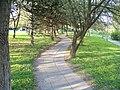 Sídliště Opatov, parková cestička.jpg