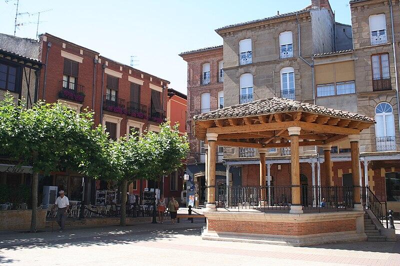 Archivo: Sahagún plaza Mayor.jpg