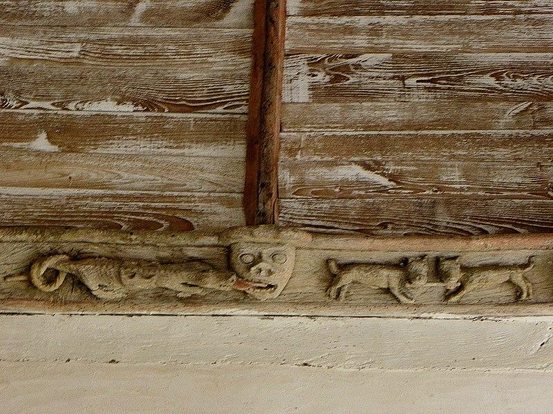 Église Saint-Fiacre, commune de Saint-Fiacre (22). Sablière du porche méridional.