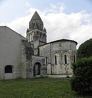 Saintes (17) Abbatiale Sainte-Marie aux Dames 02.JPG