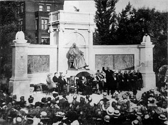Samuel Hahnemann Monument - The monument's dedication in 1900