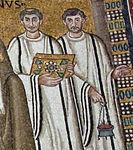 San vitale, ravenna, int., presbiterio, mosaici di giustiniano e la sua corte 07.jpg