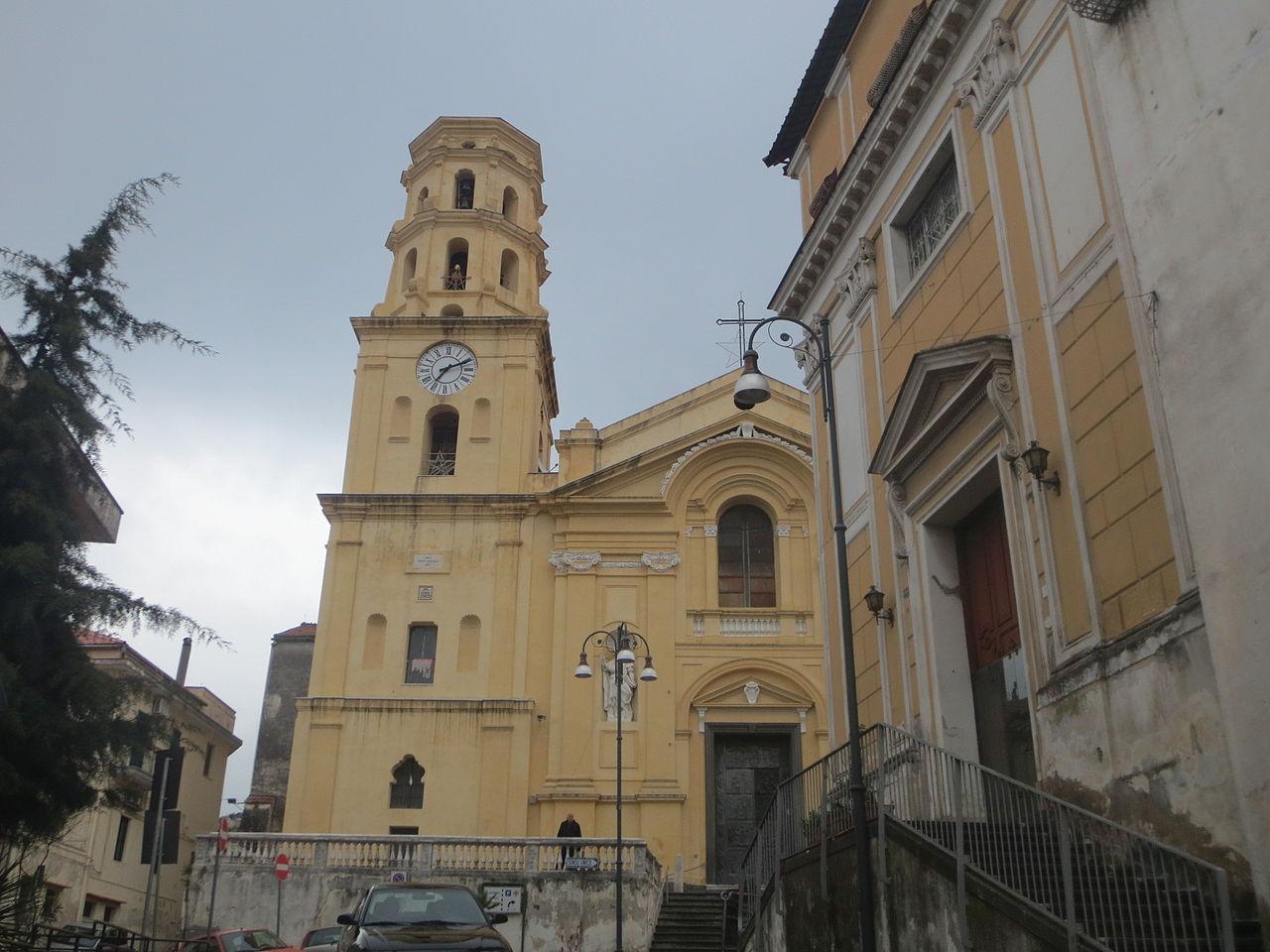 Santuario di Sant'Anna con il Monastero del Santissimo Rosario.JPG