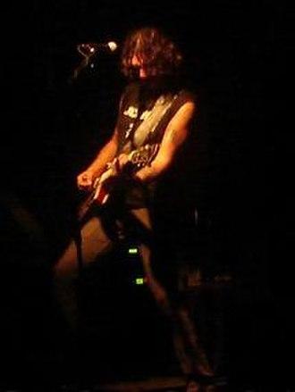 Saúl Hernández - Hernández playing live