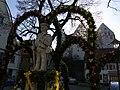 Scheer - Kondebrunnen mit Schloss Scheer17352.jpg