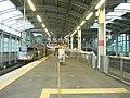 Shin-Yatsushiro-Station platform 11-12 20100626.jpg