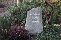 Sibylle Gerstner & Sonja Gerstner - Waldfriedhof Kleinmachnow - Mutter Erde fec.jpg
