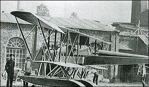 Sikorsky S-10 Aircraft on floats circa 1913.jpg