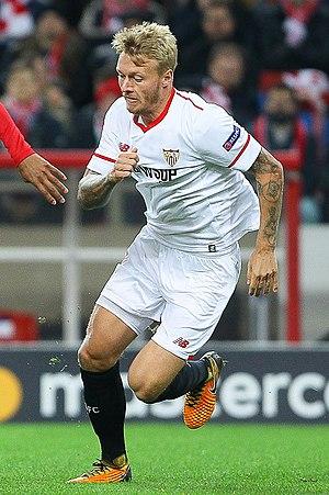 Simon Kjær - Kjær with Sevilla in 2017
