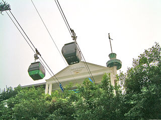 gondola lift providing an aerial link from Mount Faber to the resort island of Sentosa