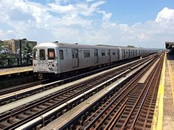 Southbound F train about to stop at Avenue P.jpg