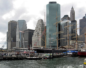 English: Southern Manhattan from Staten Island...