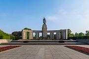 Sowjetisches Ehrenmal, Tiergarten, Berlin, 170514, ako-2.jpg